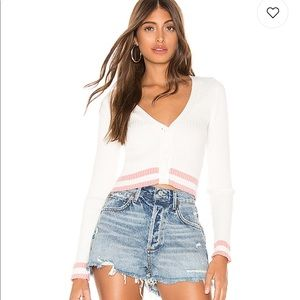 Superdown : Nicole Cropped Sweater in White & Pink